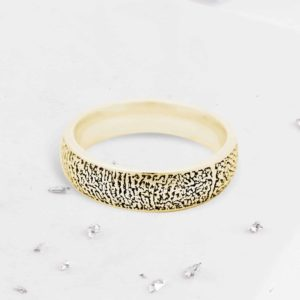 fingerprint court ring gold front view