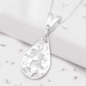 Imprinted Silver Teardrop Pendant on Trace Chain Side View